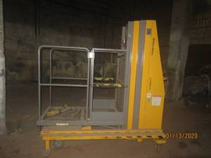 MAN LIFT JLG BASKET