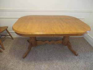 "STEVE SILVER FURNITURE COMPANY MERANTI WOOD DINING TABLE WITH BUILT IN LEAF 60"" X 42"" X 30"" MATCHES LOT 6"