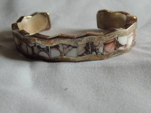 LORETTO SILVER BRACELET - INLAYED  with AGATE OR SPINY OYSTER SHELL - NATIVE AMERICAN SOUTHWESTERN, PROBABLY HANDCRAFTED -TW 62 GMS