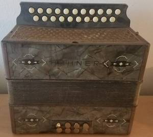 RARE FIND!! VINTAGE WWII HOHNER BUTTON ACCORDION (C. 1940'S)