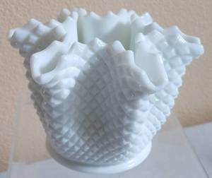 VINTAGE WESTMORELAND MILK GLASS HANDKERCHIEF VASE IN GEOMETRIC PATTERN IN EXCELLENT CONDITION AS SHOWN.