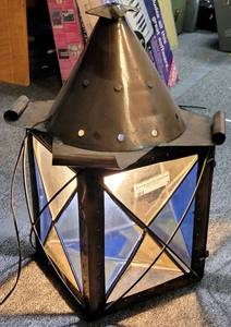 VINTAGE BRASS LAMP WITH STAINED GLASS STYLE SIDES AS SHOWN.