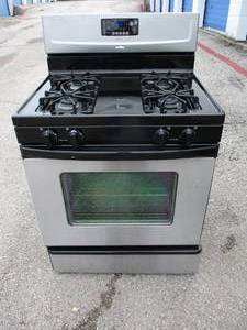 Whirlpool-Accubake Freestanding 4-Burner Natural Gas Range, With Oven, In Stainless And  Black Enamel
