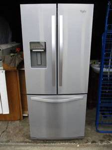 Refrigerator / Freezer-French Door Top Refrigerator With iWhirlpool n Door Ice/Water Dispenser, Pull Out Freezer On Bottom. Model WRF560