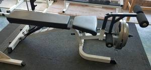 BODY SOLID WEIGHT BENCH AS SHOWN. WEIGHTS NOT INCLUDED.
