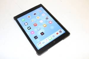 Apple iPad Air 32gb (Powers On, Touch Works)