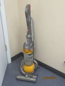 DYSON DC25 ALL FLOORS TESTED AND WORK