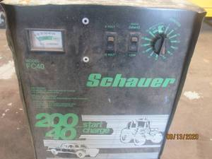 SCHAUFER BATTERY CHARGER/ START