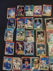 TOPPS 1990- Various Players and Teams. Cards 203-249. Not consecutive. 26 cards total. Very good condition, edges slightly worn
