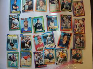 TOPPS 1990- Various Players and Teams. Cards 152-199. Not consecutive. 24 cards total. Very good condition, edges slightly worn