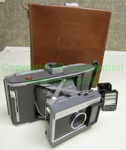 Vintage Polaroid Land camera model J66 with case