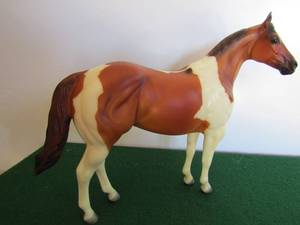 "Peter Stone Horse #9987 ""Bright Angel"" Golden Boy Tobiano Pinto 11x9 in box"
