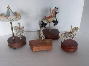 Musical Carousels, 4 pc