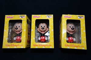 Kellogg's Walt Disney World collectable Mickey Mouse bobble head in original packaging