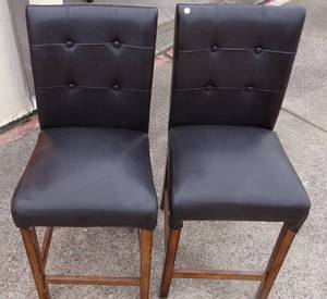 Beautiful Pair of Leather Upholstered Bar Stools
