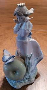 "LLADRO #5716 ""LAND OF THE GIANTS"", RETIRED, 8.5"" HIGH."