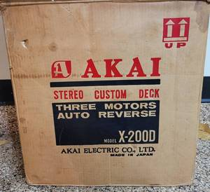 VINTAGE AKAI STEREO CUSTOM DECK MODEL X-200D WITH ORIGINAL BOX IN LIKE-NEW CONDITION.