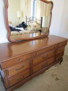 DRESSER  9 drawers with  MIRROR stock number 1297