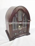 Antique style cathedral radio